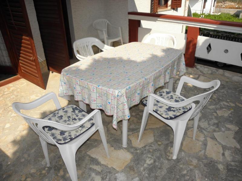 A1(6+1): terrace