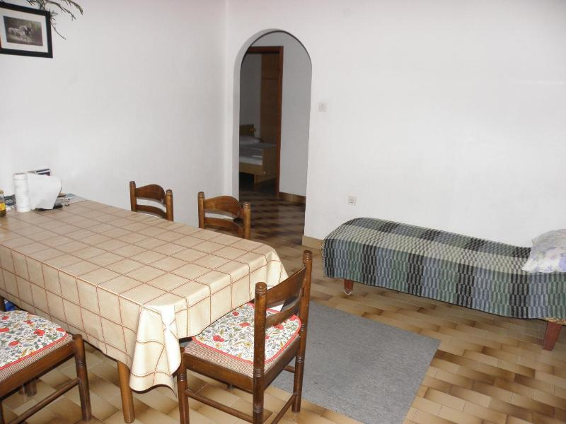 A1(6+1): dining room
