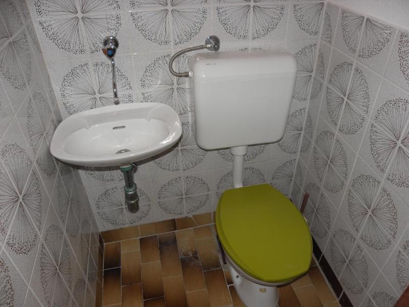 A1(6+1): toilet