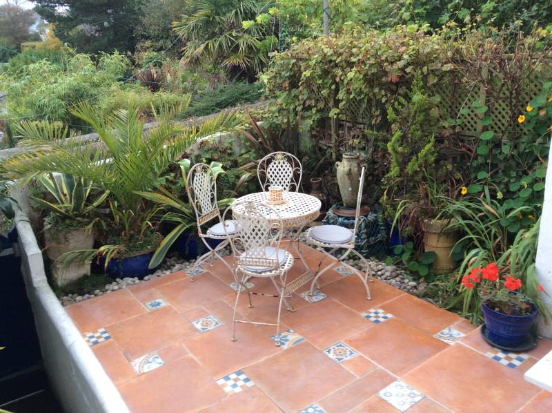 Seabreeze cottage, Newlyn, Penzance, Near Lands End-Dog friendly, Sea-views, holiday rental in Penzance