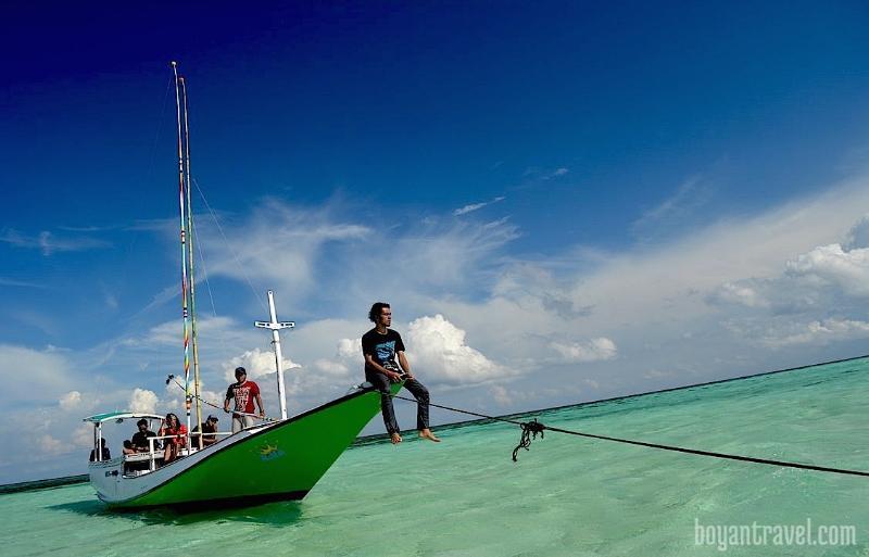 Boyan Travel | Paket Wisata Pulau Bawean, holiday rental in Bawean Island