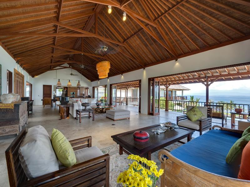 Villa Asada - Indoor living area