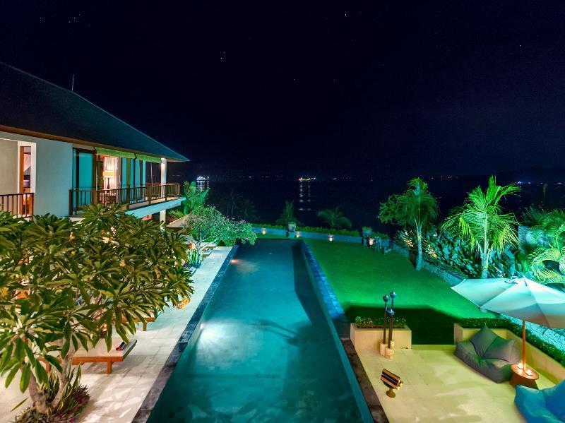 Villa Asada - Night aerial view