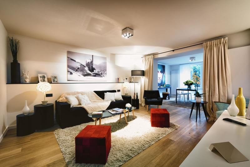 Louise/Châtelain - Studio Apartment with Terrace, location de vacances à Uccle