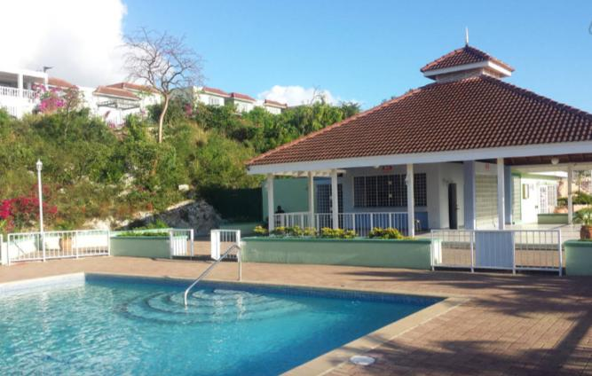 Signature Sky's @ the Country Club, location de vacances à Kingston Parish