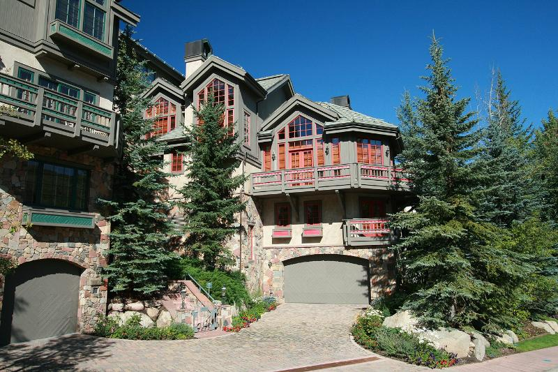 Pinehusrt Townhomes Beaver Creek Luxury, holiday rental in Beaver Creek