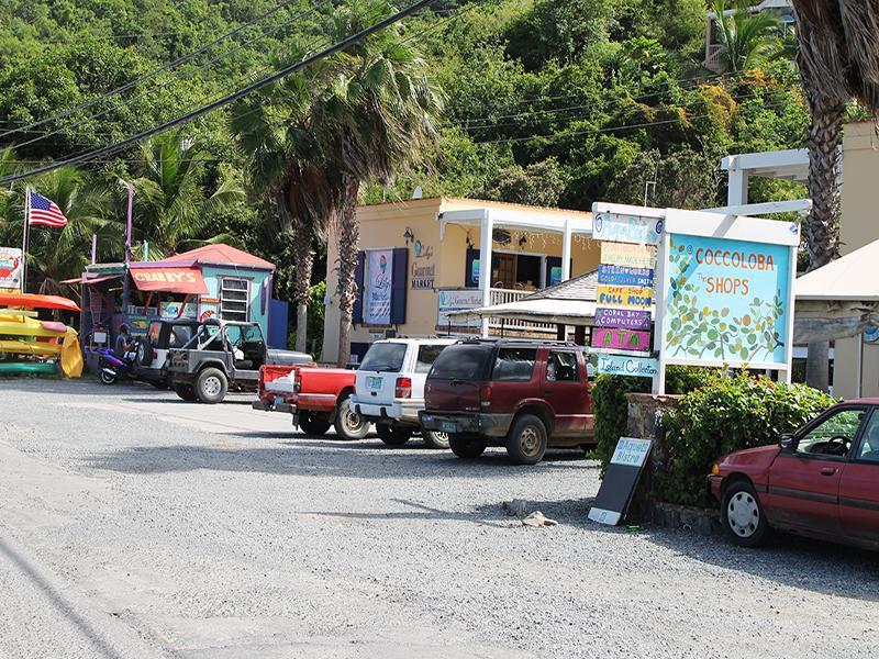 Shop and dine at Aqua Bistro in nearby CocoLobo Plaza
