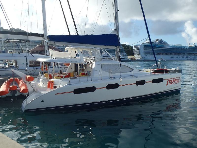 Luxury All-Inclusive Sailing Catamaran, vacation rental in Tutu