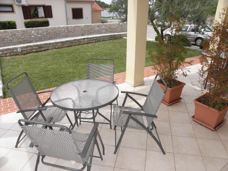 SA2(2): common terrace