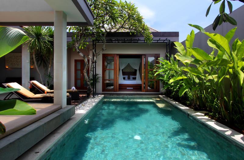 Chambre et piscine privative