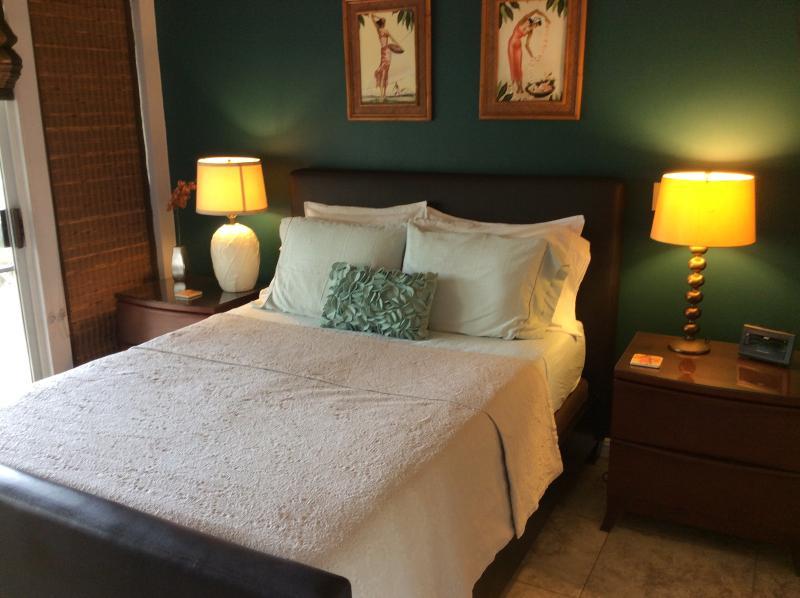 Ontspan vanavond in uw Queen sized bed. Lezing zwijntjes aan beide zijden