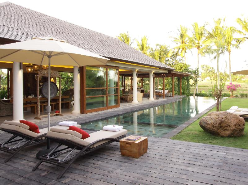 1. Villa Sarasvati - Pool deck and gardens