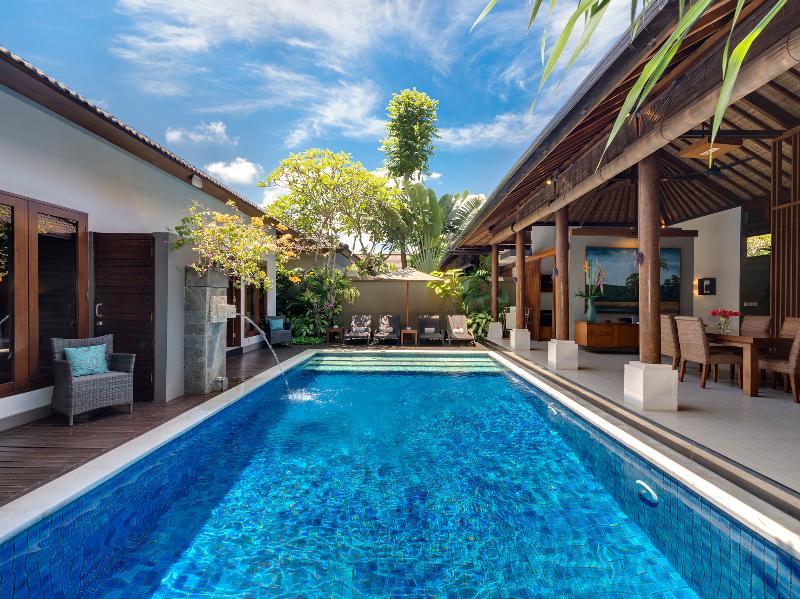 1. Lakshmi Villas - Toba - Het zwembad