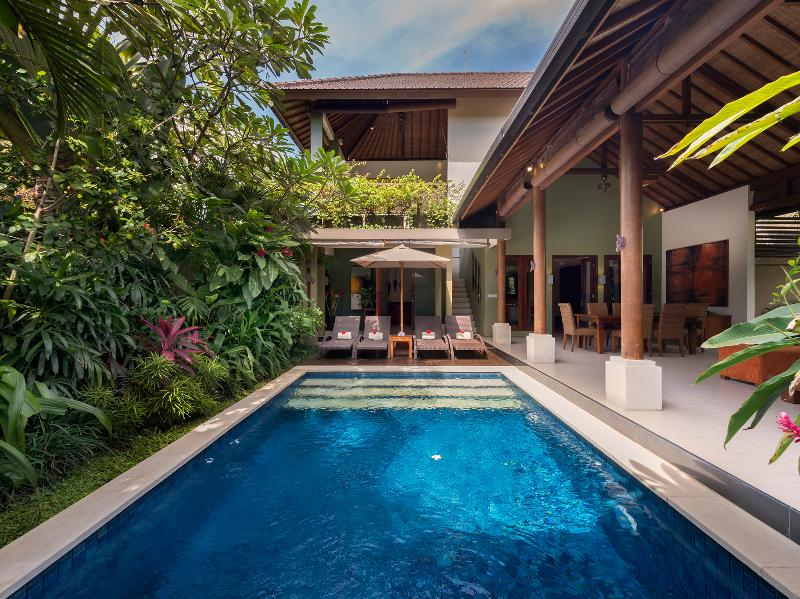 1. Lakshmi Villas - Ubud - Pool and villa