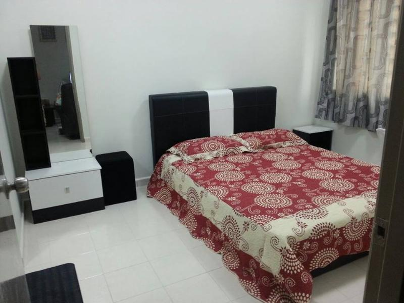 Homestay AZM Guesthouse Kuala Lumpur with internet, holiday rental in Ampang