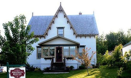 The Mission House Bed & Breakfast - a beautiful, historic property, vacation rental in Gagetown