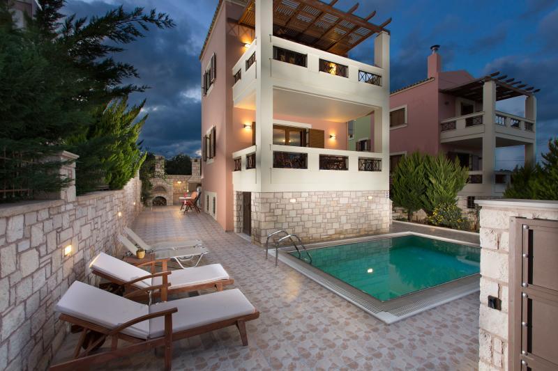 evening view at Villa Sia