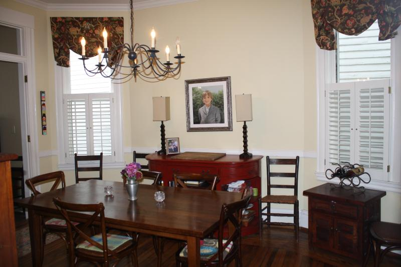 Dining Room - Table can seat 12 with leaves