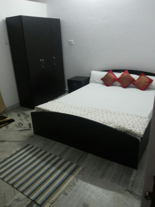 Exquisite Zimmer mit AC, Wifi, TV, Hot & Kaltwasser, Parkplatz, kostenlose Abholung. Qualität-Zimmerservice.