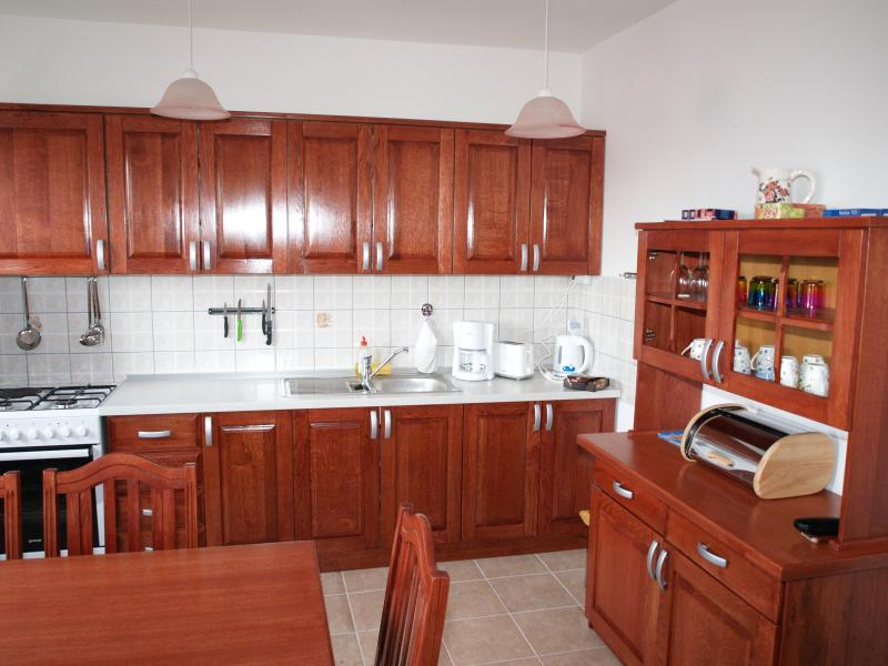 Kitchen, hand getischlert, quality furnishings, accommodate up to 8 people.