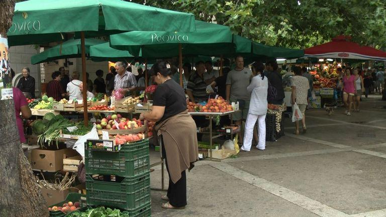 Open market in Omiš with local fruits and vegetable (7 min driving)