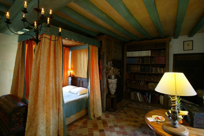 Chambre Camp du Drap D'or, holiday rental in Jarze