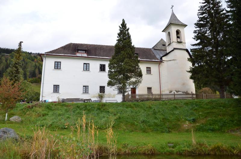 Schloss Berg Klösterle M - entire first floor, vacation rental in Gnesau