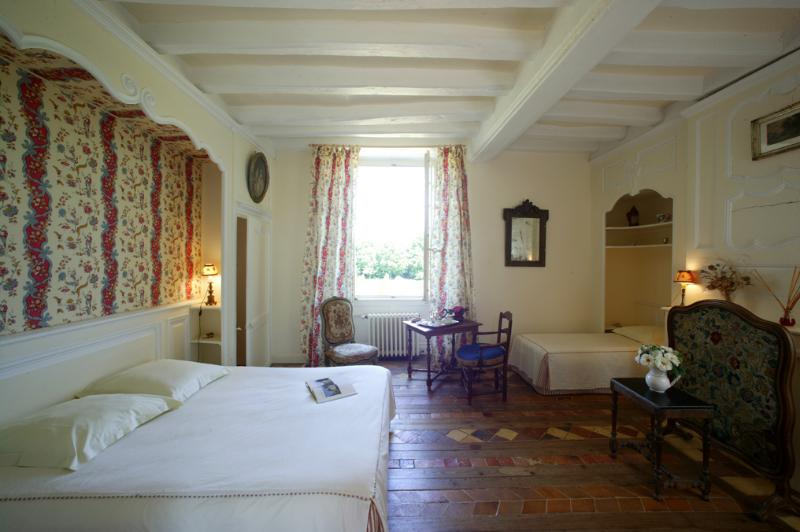 Chambre Bonne Maman, holiday rental in Jarze