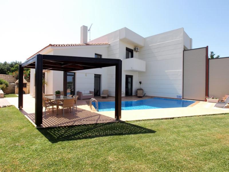 Villa Rotunda B near Kolympari beach, holiday rental in Platanias