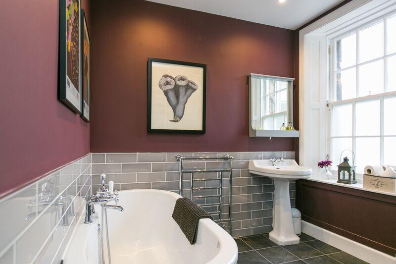 Luxurious bathroom with digital control under floor heating