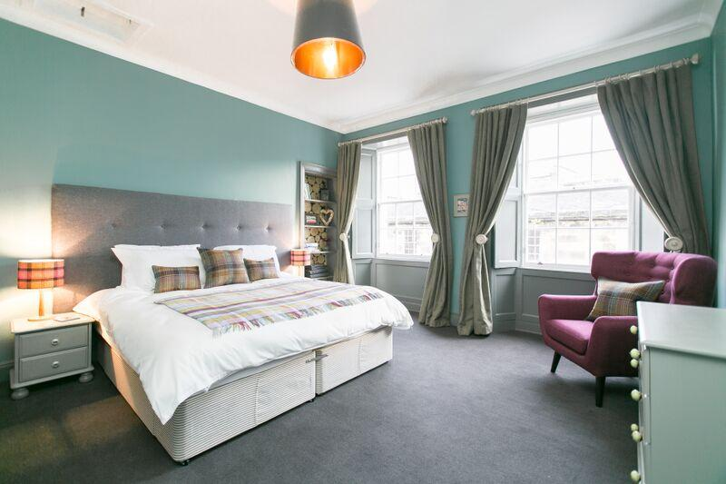 Spacious and luxurious master bedroom superkingsize double or 2 singles
