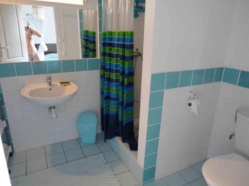 Salle de douche de chambre 1 du 2ème étage