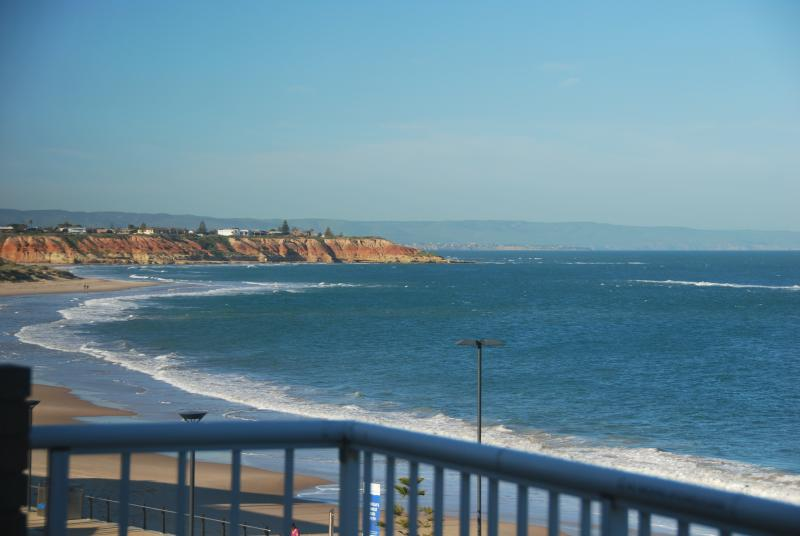 WATERFRONT Coastal Penthouses, vacation rental in Port Noarlunga