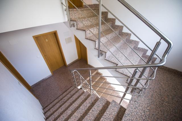 staircase (house and surroundings)