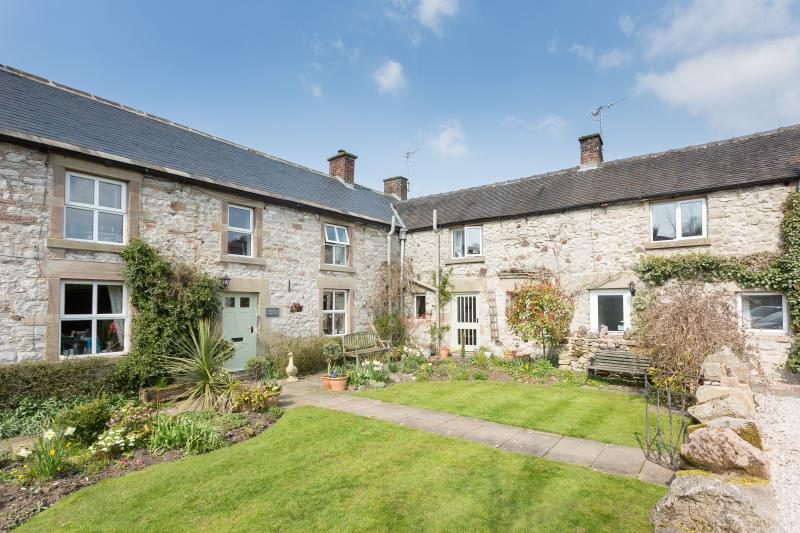 Townhead Farmhouse Bed and Breakfast, holiday rental in Bonsall