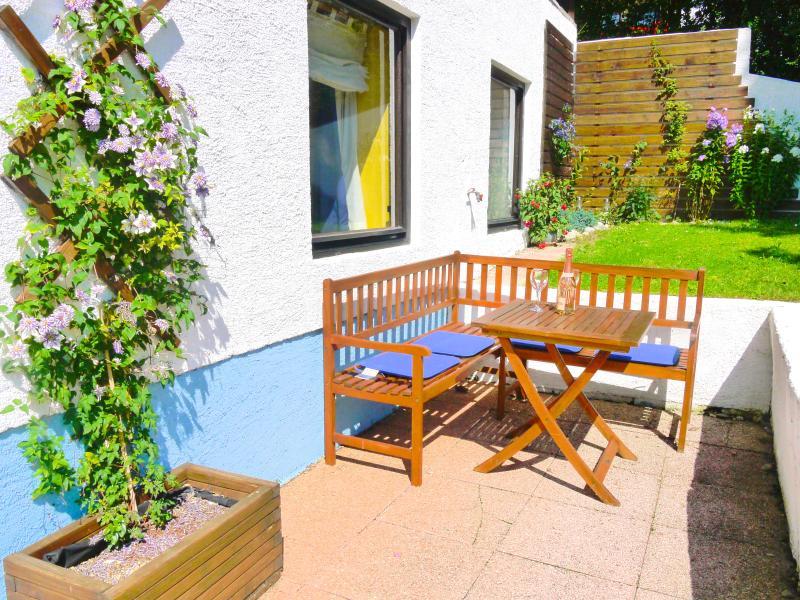 Furnished patio area