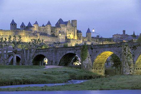 The medieval city! The medieval city! La ciudad medieval!