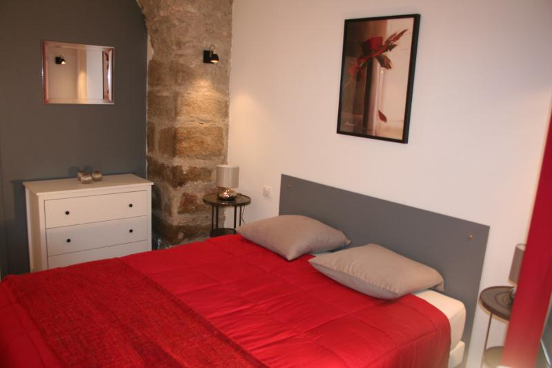 Chambre lit 160 x 200 !  Bedroom, bed 160 x 200 !  Dormitorio cama 160 x 200 !