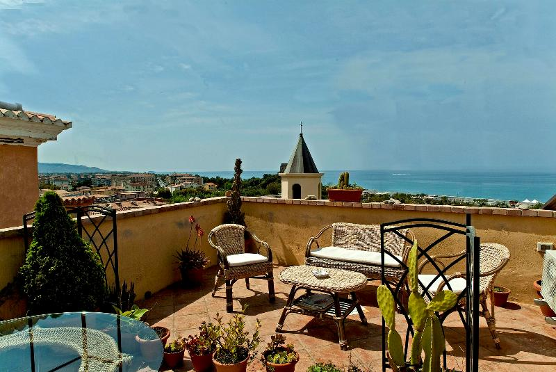 B&B Lavinium Scalea, vacation rental in Scalea