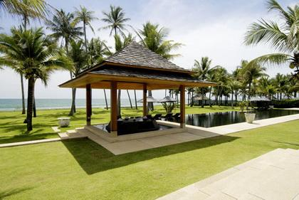 6 Bedroom Ocean Front Villa, holiday rental in Phang Nga