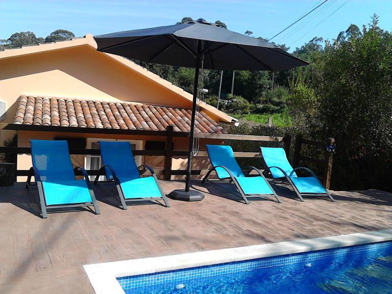 Casa con piscina para 6, holiday rental in Viladesuso