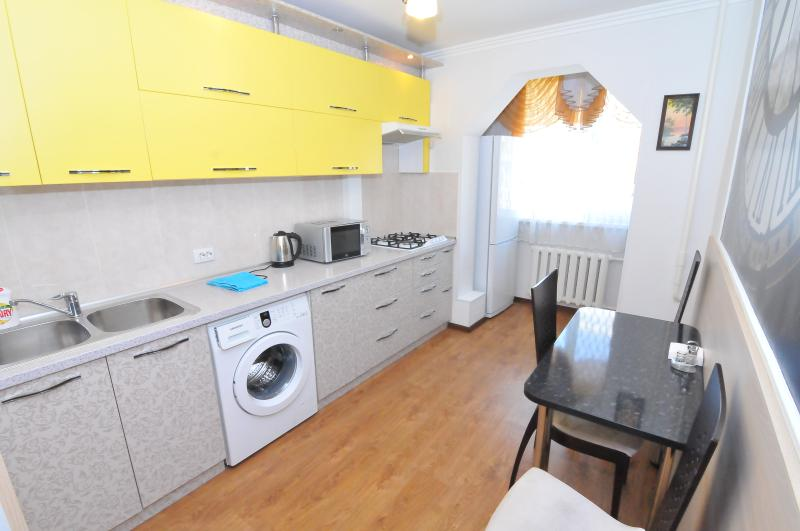 Fully equipped kitchen. Washing machine. Fridge.