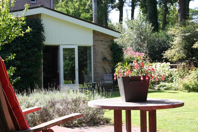 B&B Cantecleer Vught Southern Netherlands, vacation rental in Helvoirt