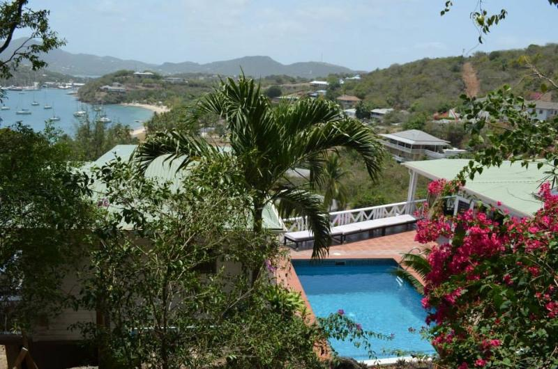 Secluded Calypso with private pool and stunning views.