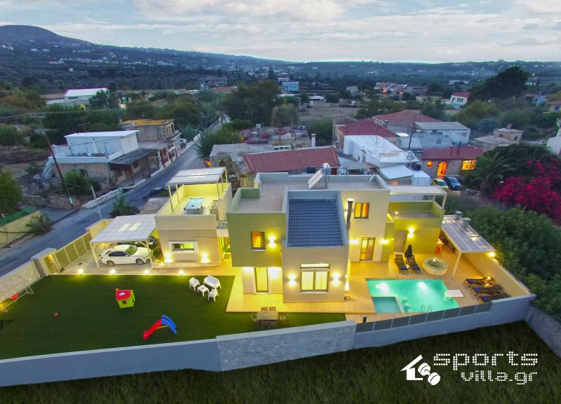 Aerial photo. The 600m2 of    the villa.