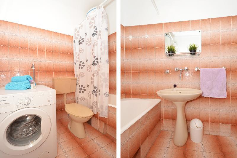 A1 (4 + 2): salle de bain avec toilette