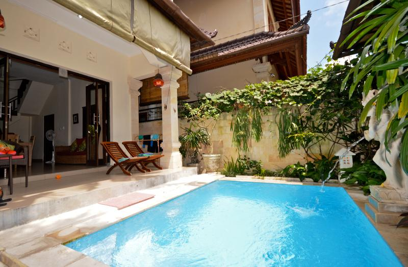 Your own private sun area and pool