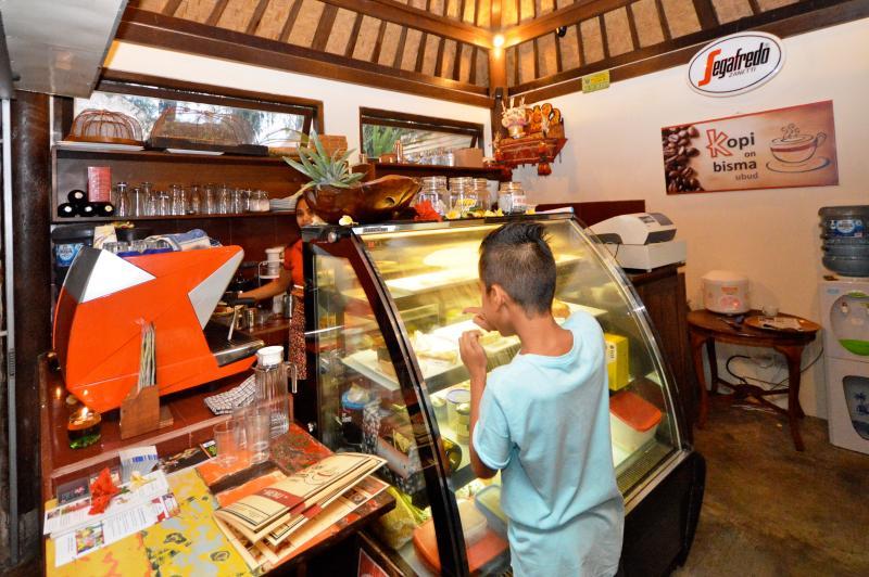 The best espresso coffee, fresh cakes and yummy Italian gelato ice cream....