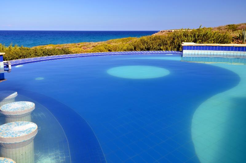 Pool with ying & yang design
