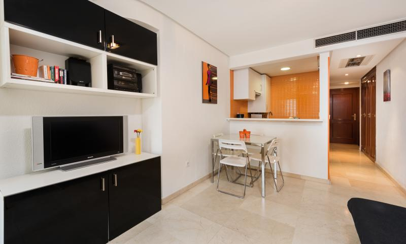 CENTRO WIFI+PARKG+TERRAZA 7º, holiday rental in Madrid